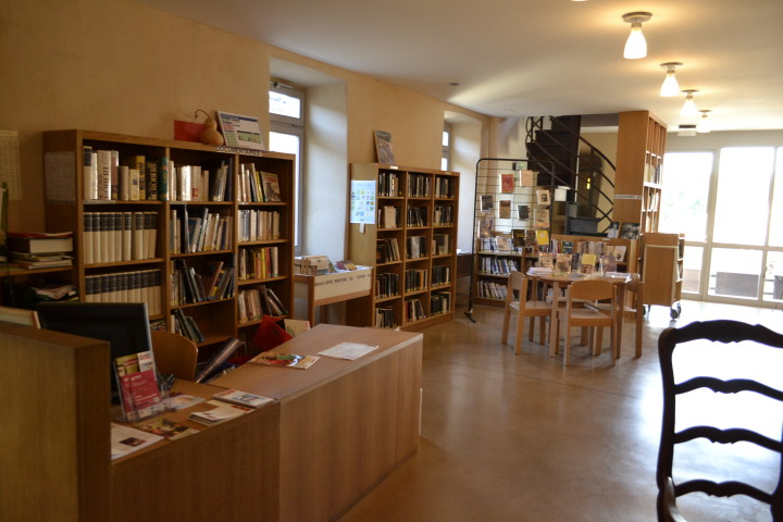 bibliotheque-adulte-1etage (2)